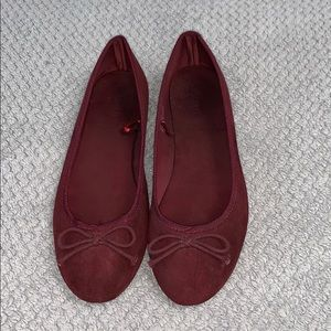 Maroon flats with bow